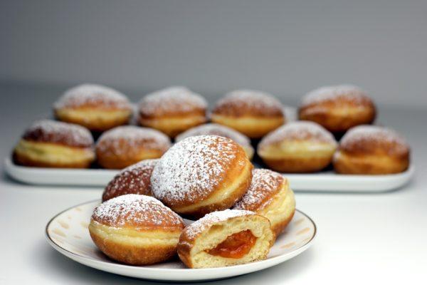 Fasching-Krapfen-Regional-Handarbeit-Zutaten-Bäckermeister-Kärnten-köstlich-Marillenmarmelade-Österreich-Lecker